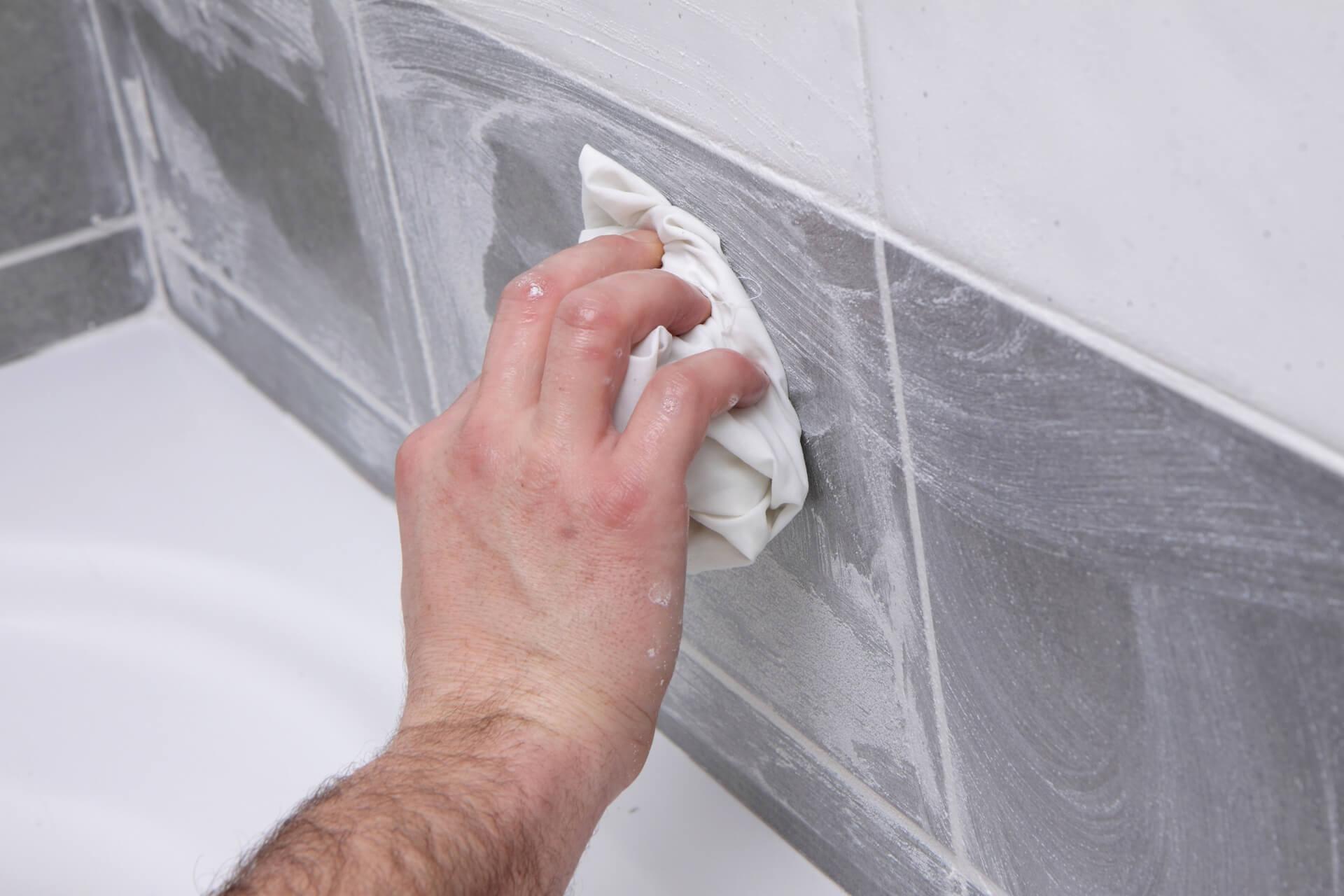 Nettoyer les joint de carrelage salle de bain 3 astuces - Blanchir les joints de carrelage ...