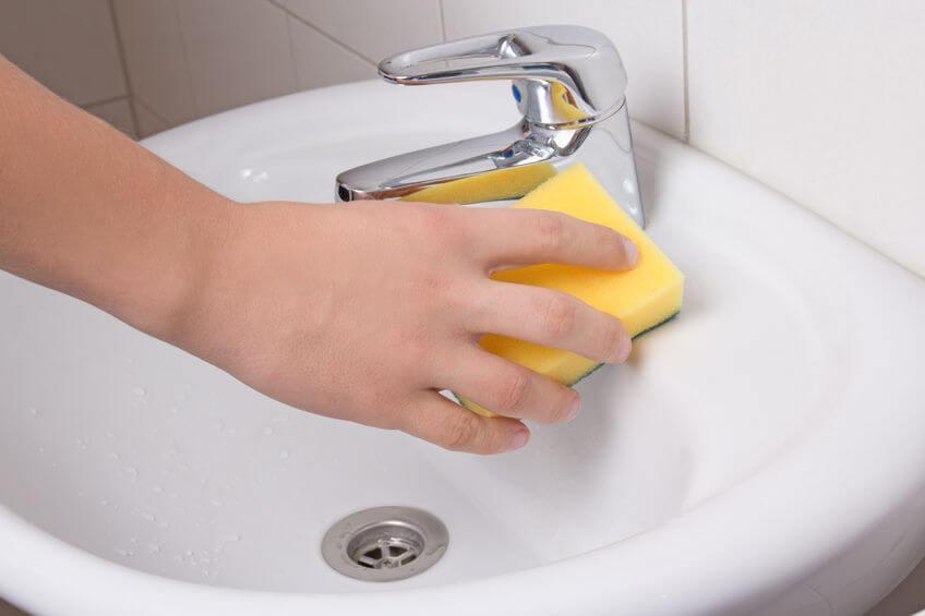 nettoyer un évier sans produits chimiques