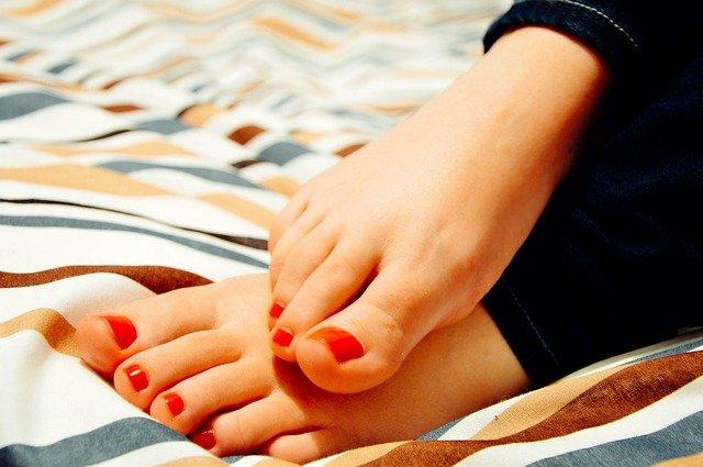 bain de pieds au vinaigre blanc