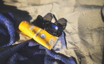 taches de crème solaire